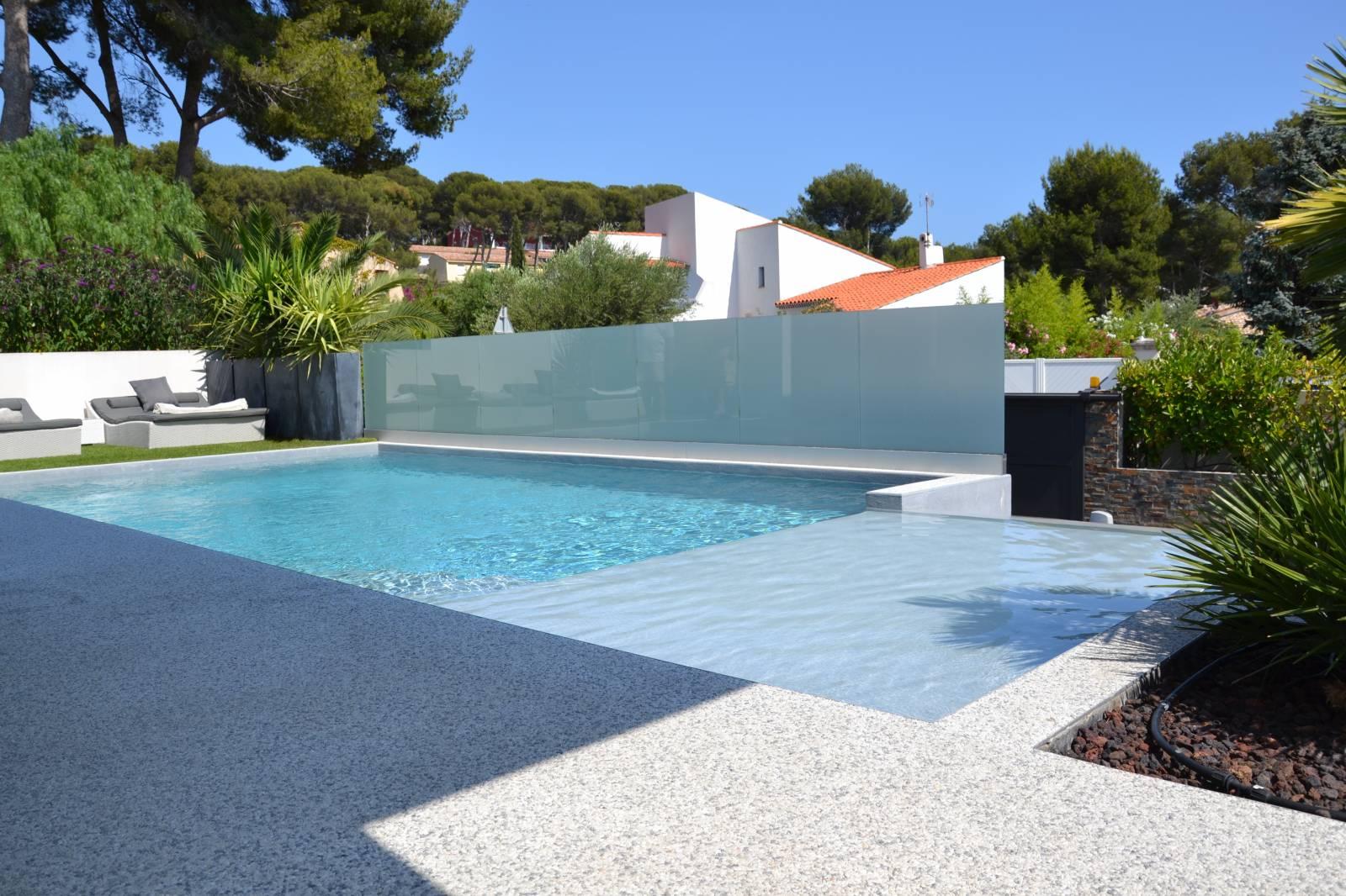 Vente de maison d 39 architecte sanary sur mer portissol for Camping sanary sur mer avec piscine